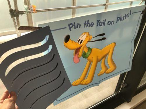 レッツプレイのプルートのしっぽPin the Tail on Pluto!
